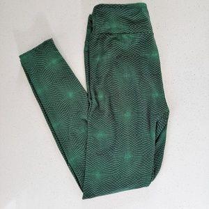 💋LuLaRoe OS Leggings Green/Black Pattern